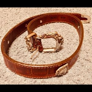 Brighton women's brown leather belt m/25.